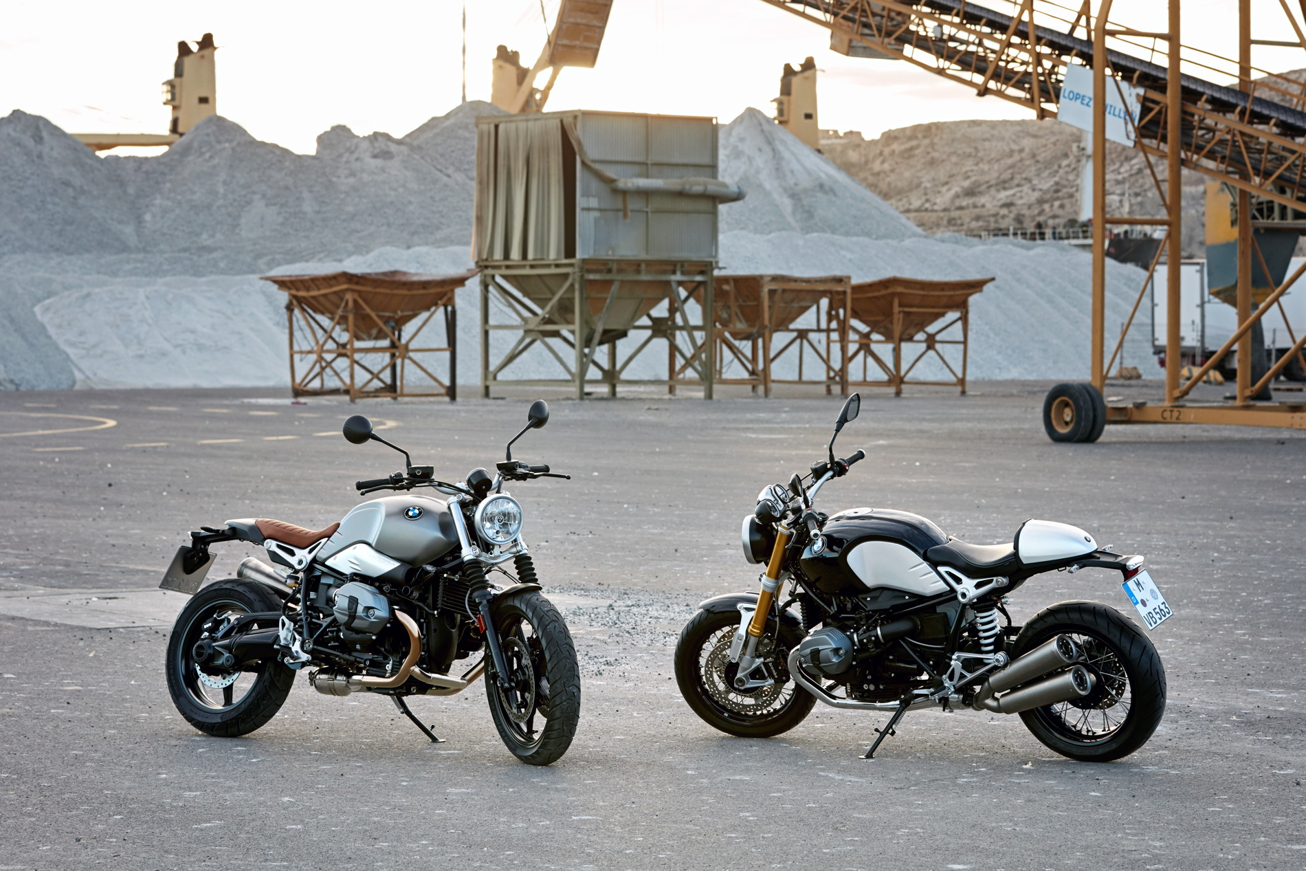 BMW R nineT Scrambler-80 and Original BMW R nineT