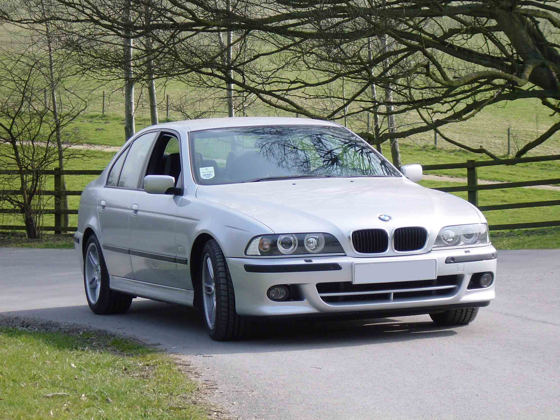 bmw 5 series e39 gallery and specs bimmerin. Black Bedroom Furniture Sets. Home Design Ideas
