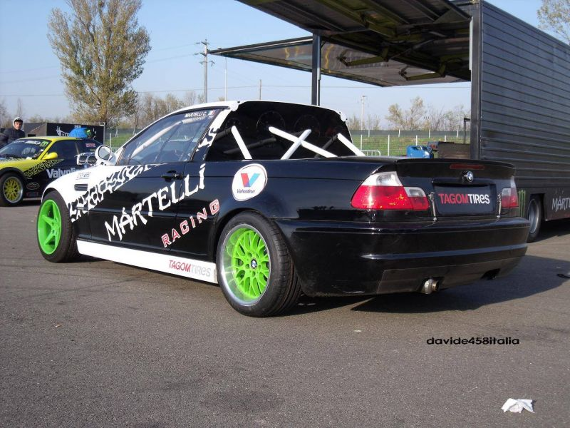 BMW M3 E46 PickUp racing on the track!